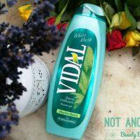 Un gel de dus Vidal printre preferintele unei iubitoare de sapunuri