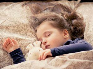 ajuta copilul sa treaca peste boala