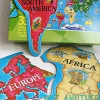 Harta lumii pentru copii. Invata usor continentele asambland un puzzle