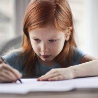Cum să alegi cele mai bune instrumente de scris pentru copilul tău