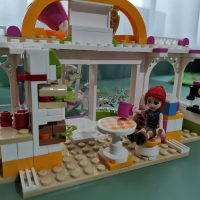 LEGO Friends si LEGO Dots. Afla cum ajuta piesele LEGO buna dezvoltare a copilului tau!